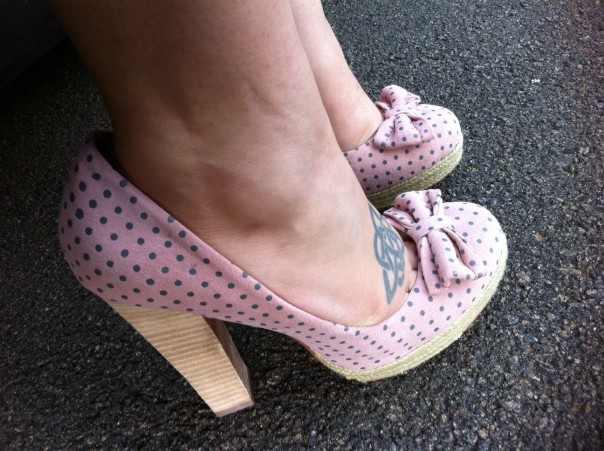 Betsey Johnson Maggi Pump