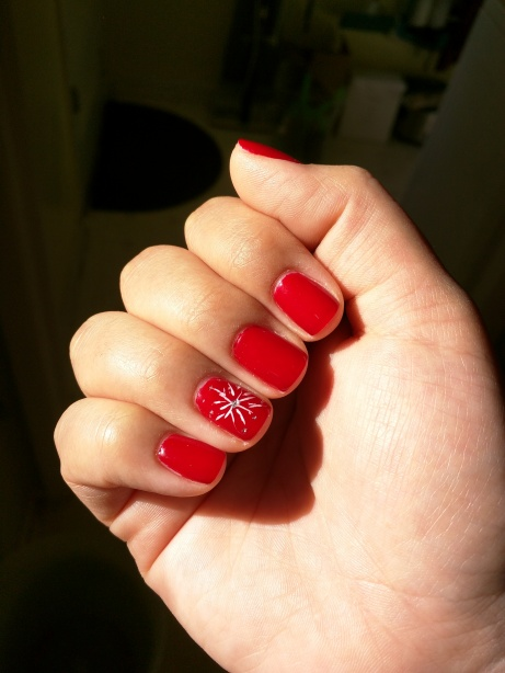Gel manicure - red nails + snowflake nail art